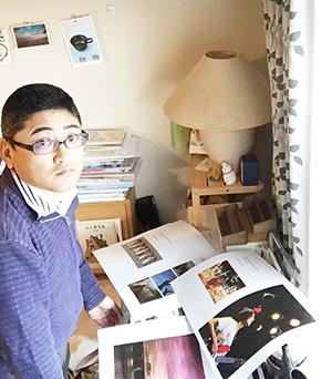 2014年末に発行した写真集「Kakiqueva?002」号の色校正中の一コマ